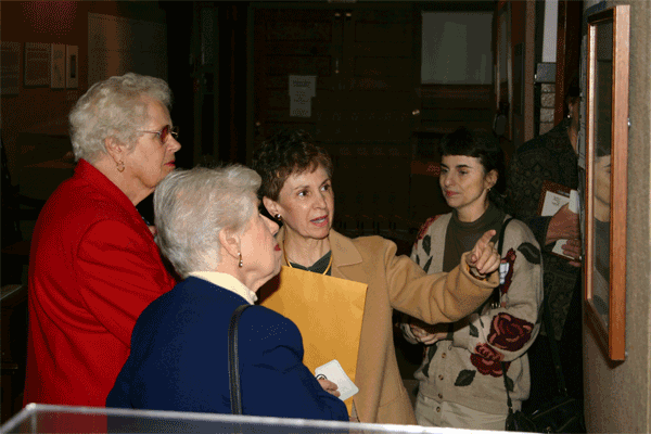 Rosemary Vacca (center) hosts a Russell Sage College alumnae chapter tour