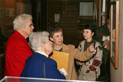 Rosemary Vacca hosts a Russell Sage College alumnae chapter tour