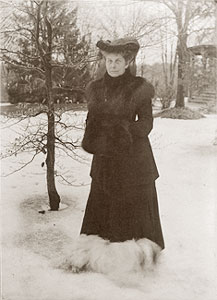 Mrs. Charles Edmund H. Phillips with dog
