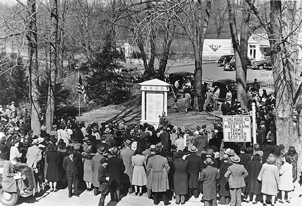 unveiling of the Bull's Head Honor Roll, 1944
