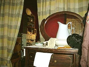 Bedroom - washstand