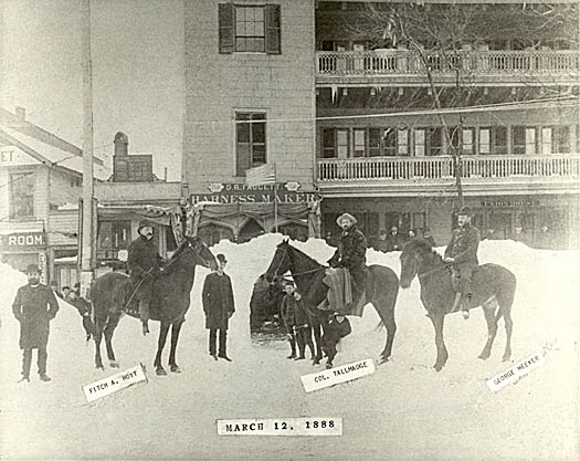 men on horseback in front of Union House Hotel