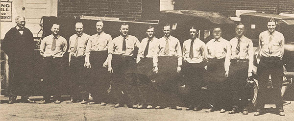 Diamond Ice Company employees, c. 1920