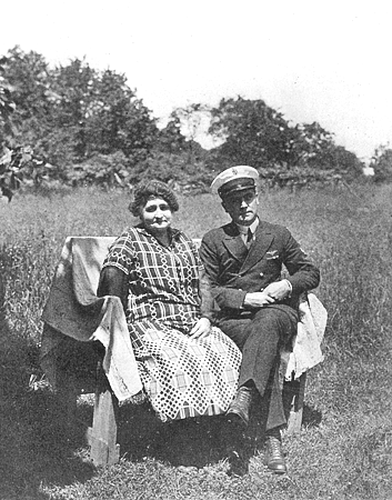 Harold June and mother, 1928