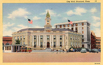 Postcard, around 1946. The church has been replaced by the Citizens Savings Bank.