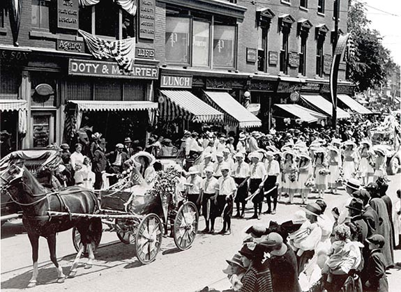 Memorial day Parade 1919 on Main Street