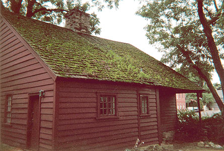 Hoyt Barnum House roof before restoration