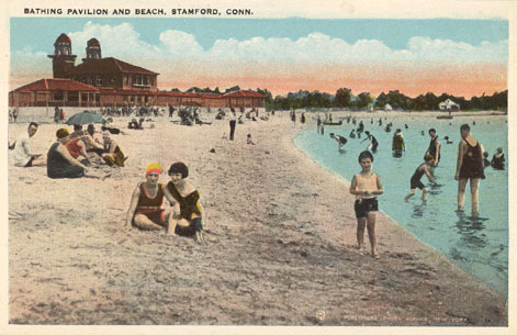 Undated postcard titled 'Bathing Pavilion and Beach, Cummings Park, Stamford, Conn.'