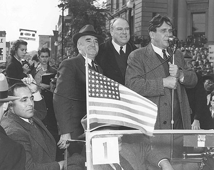 Wendell Wilkie campaigning 1940